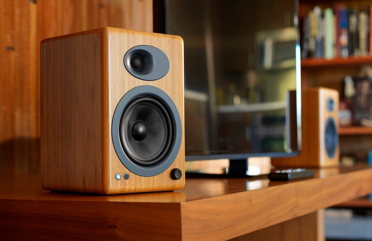 Best powered speakers for a turntable and for vinyl