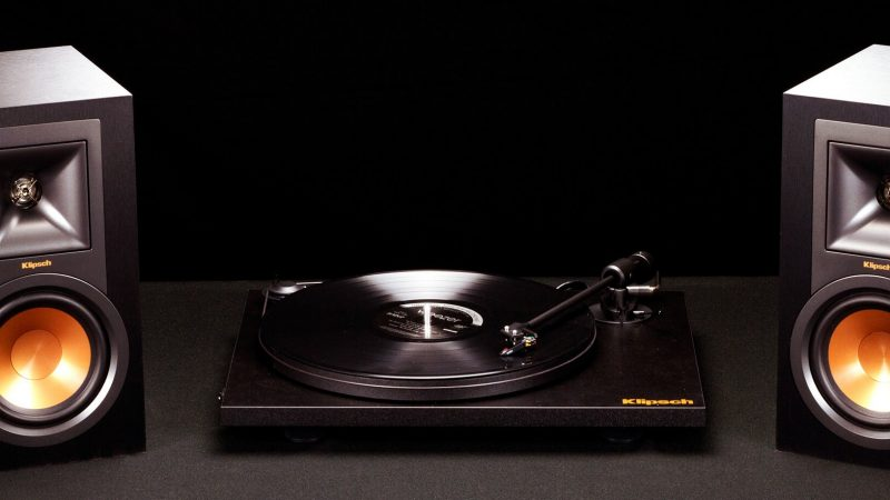 Tips on How to Connect Turntable to Speakers