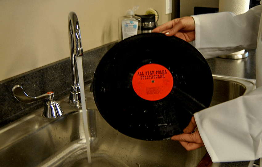 Can You Clean Vinyl Records with Microfiber Cloths?